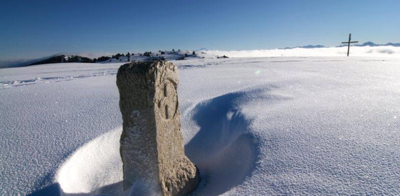 borne-alpe-hiver